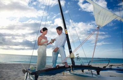 strand-brautpaar-hochzeit-karibik